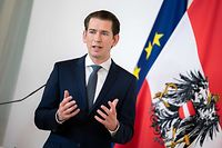 "Austrian Chancellor Sebastian Kurz addresses a press conference on ""Current information about the Corona aid package for workplaces and companies"" in Vienna, Austria, on March 26, 2020. (Photo by GEORG HOCHMUTH / APA / AFP) / Austria OUT"