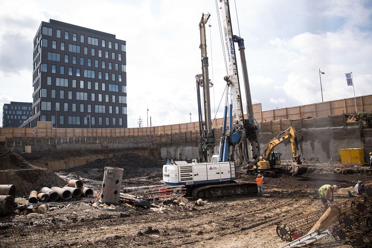 A la sortie de l'axe Sud, le projet de construction des deux tours jumelles résidentielles «Capelli Towers» est lancé.