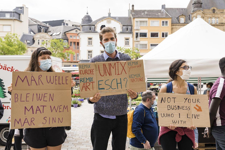Am Dienstag protestierten Einwohner von Escher WGs erst vor dem Rathaus und später in der Rue de l'Alzette.