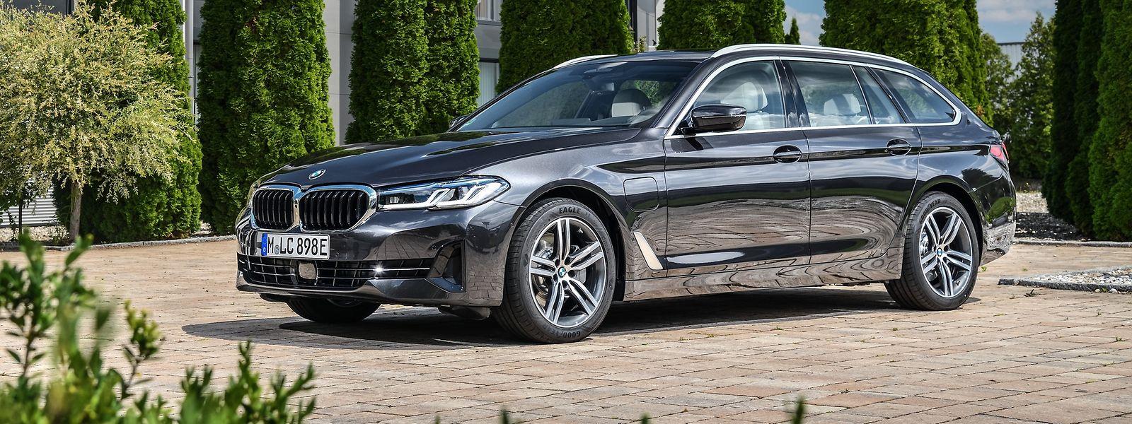 Nach der Modellpflege macht der BMW 5er Touring einen guten Gesamteindruck: Er ist komfortabel und sportlich zugleich – sowie technologisch auf dem neuesten Stand.