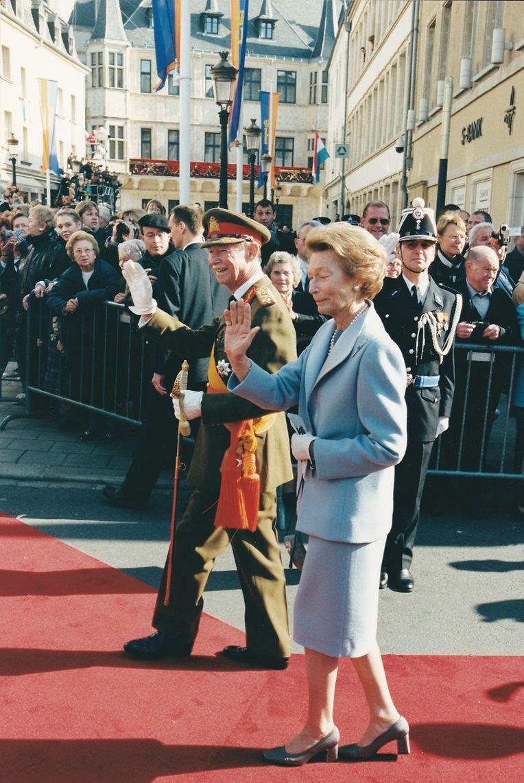 Grão-Duque Jean e Grã-Duquesa Joséphine-Charlotte na passagem de testemunho ao filho