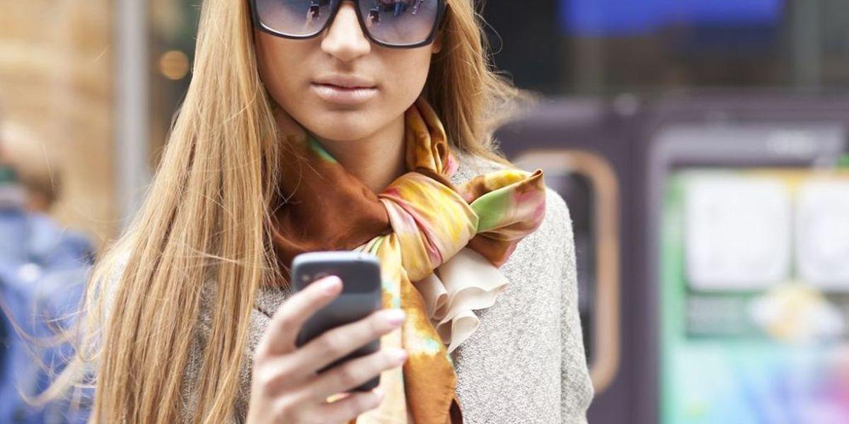 Der Austausch von Nacktfotos über soziale Netzwerke und Handys kann ernsthafte Konsequenzen haben.