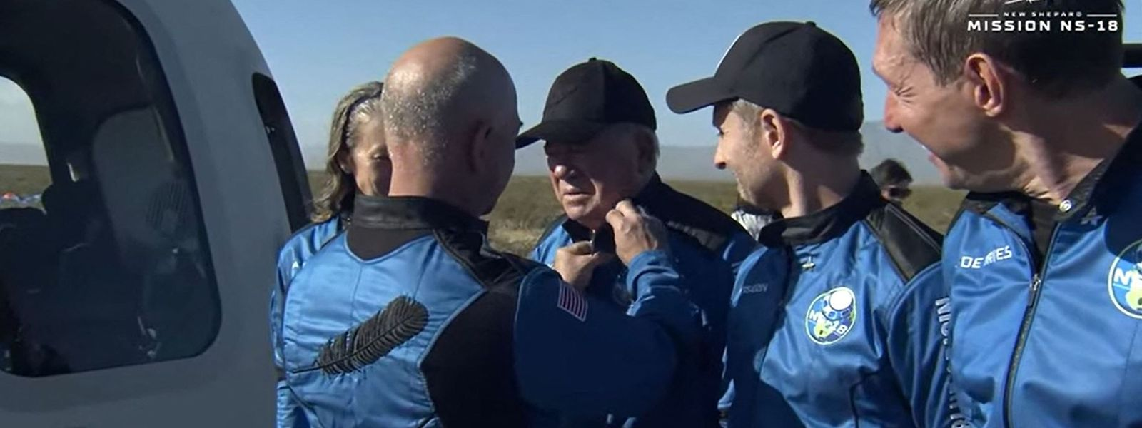 Jeff Bezos beglückwünschte Shatner persönlich nach dem Flug.