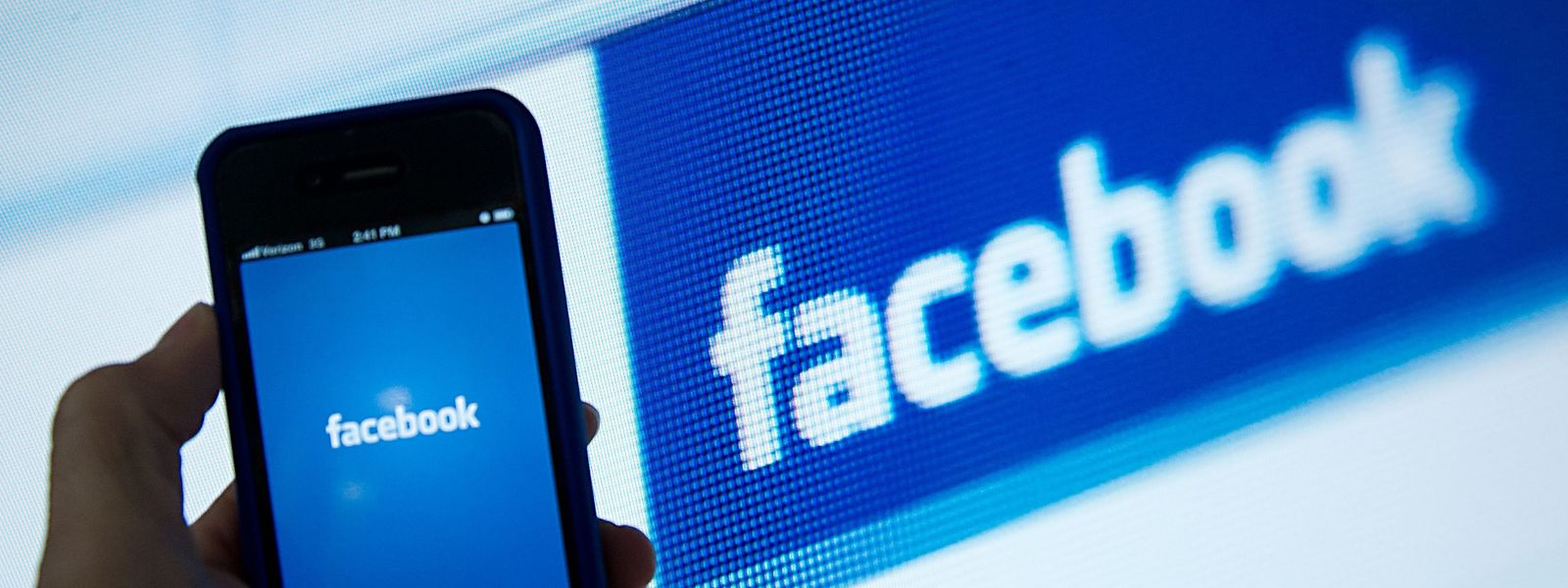 """Le réseau social va interdire de publicité les pages renvoyant régulièrement vers les """"fake news""""."""