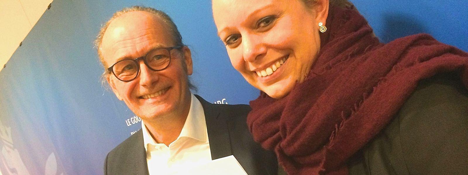 """Claude Turmes et Carole Dieschbourg présentant leur plan """"Génération Climat""""."""