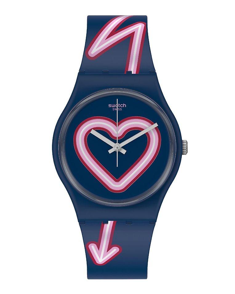 Nach Amors Pfeil wird jetzt auch dieser sein Ziel nicht verfehlen: Uhr aus der Valentinstagskollektion von Swatch (um 65 Euro).