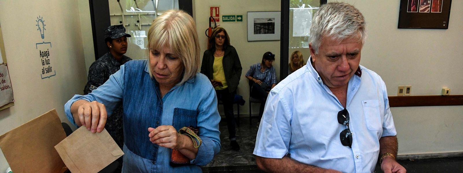 Ein Wahlbüro in Montevideo.