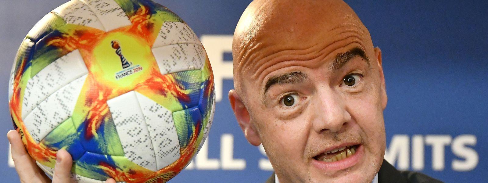 Gianni Infantino foi eleito para o segundo mandato pelas 211 federações que compõem a FIFA.