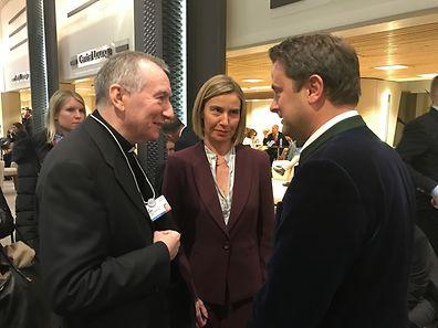 (de g. à dr.) Pietro Parolin, secrétaire d'État du Vatican, Federica Mogherini, haute représentante de l'Union pour les affaires étrangères et la politique de sécurité, Xavier Bettel, Premier ministre