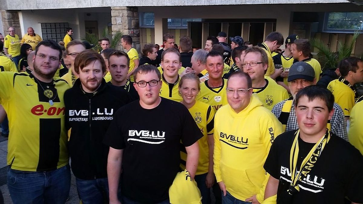 """An Spieltagen sind in Dortmund auch viele luxemburgische Anhänger, wie hier die Mitglieder des Fanclubs """"BVB.lu"""", anzutreffen."""