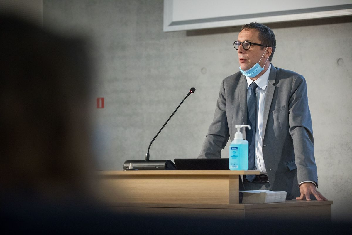 Prof. Ulf Nehrbass am Rednerpult.