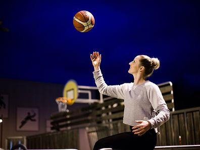 Stefanie Yderstrom basketball profile, Foto Lex Kleren