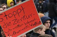 """Demonstration """"Rette Dein Internet"""" gegen Upload-Filter und die geplante EU-Urheberrechtsreform."""