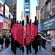 Kunsinstallation zum Valentinstag auf der Times Square in New York.