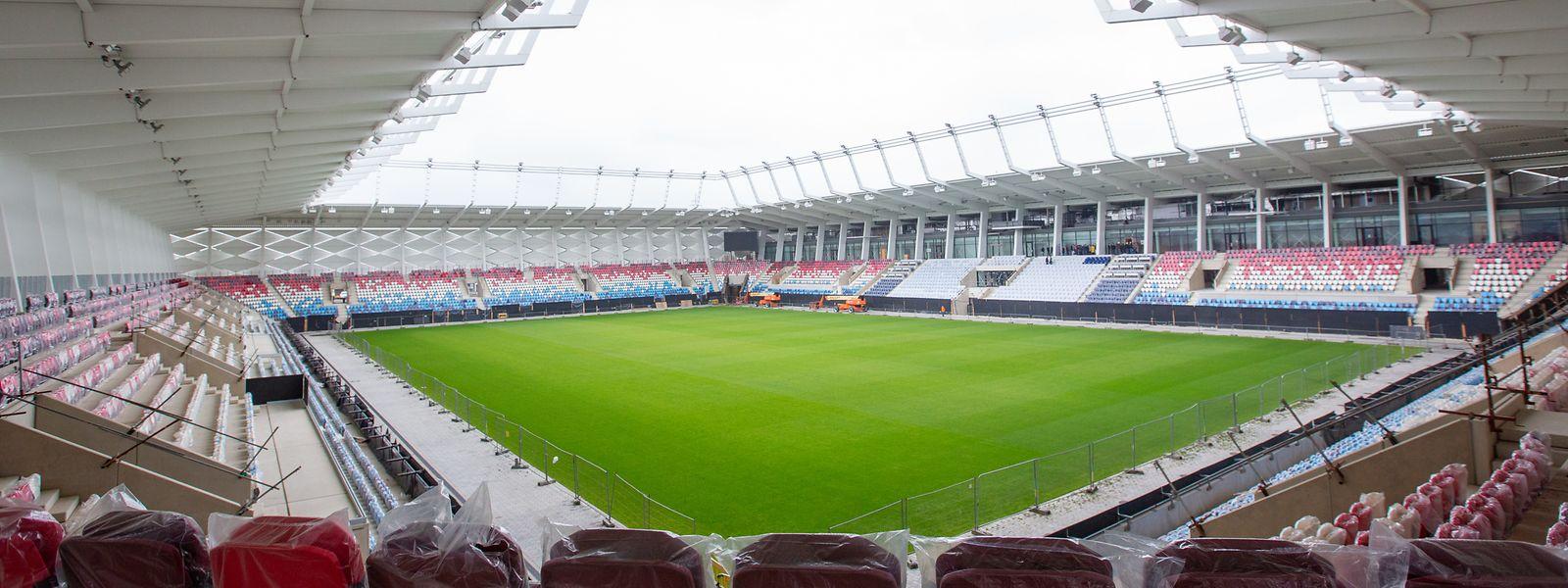 Die Arbeiten am neuen Stadion neigen sich dem Ende zu. Die Sitze sind installiert, der Rasen verlegt, derzeit läuft der Innenausbau.
