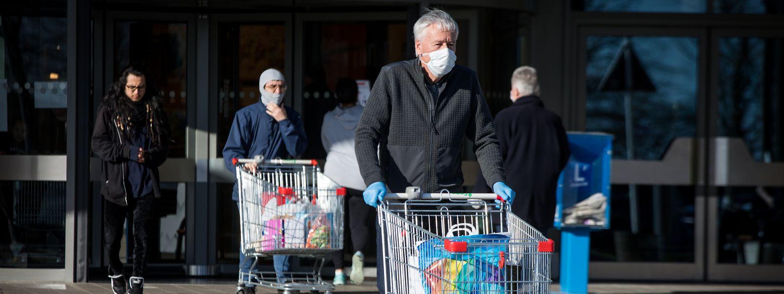 Der LCGB fordert, dass die Prämien, die einige Supermarktketten ihren Mitarbeitern wegen der zusätzlichen Belastung ausbezahlen, steuerfrei sein sollen.