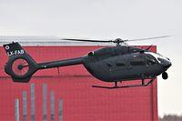 """Auf dem zweiten Hubschrauber fehlt die Aufschrift """"Police Lëtzebuerg""""."""