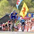 Julian Alaphilippe (F/Quick-Step) gewinnt die Flèche Wallonne 2018 vor Alejandro Valverde (E/Movistar) und Jelle Vanendert (B/Lotto Soudal) - Foto: Serge Waldbillig