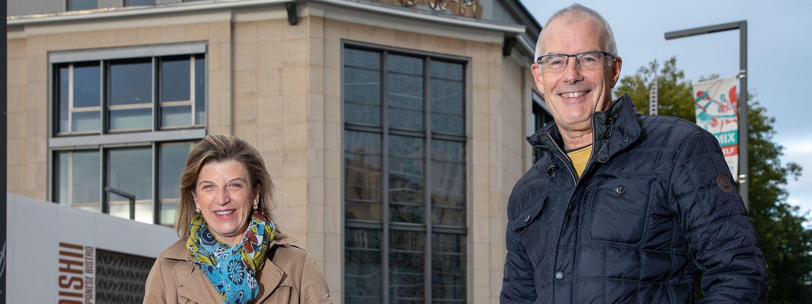Christiane Kremer et Roll Gelhausen font partie de la troupe de joyeuses plumes réunies à Esch/Alzette.