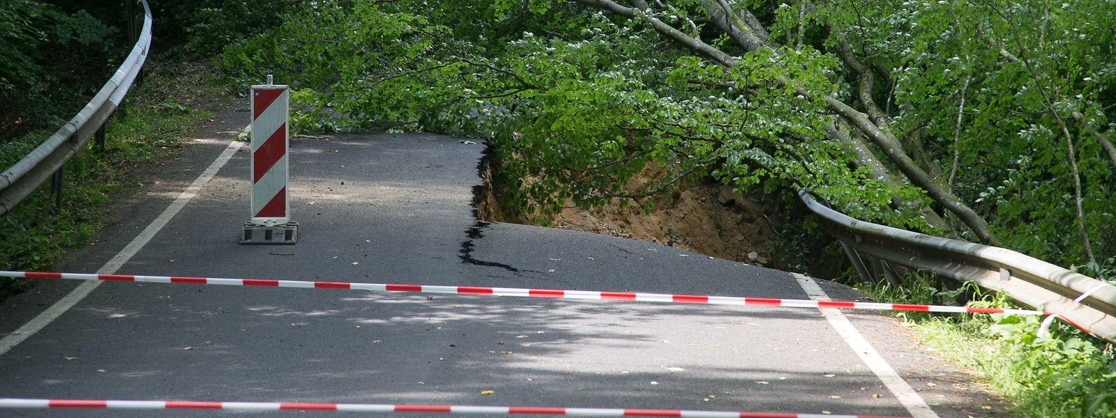 Straßenschäden nach dem Juni-Unwetter in Berdorf.