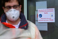 Die Behörden ergreifen die notwendigen Maßnahmen, um die Ausbreitung des Corona-Virus einzudämmen.