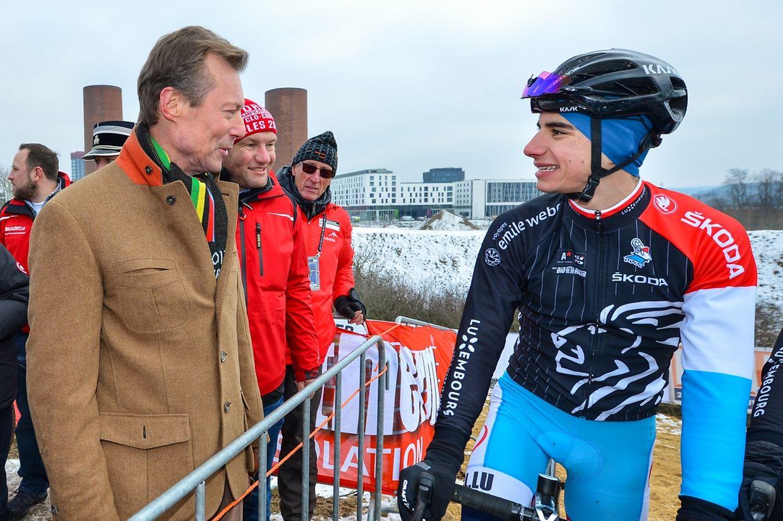 Großherzog Henri im Gespräch mit Juniorenfahrer Tristan Parrotta.