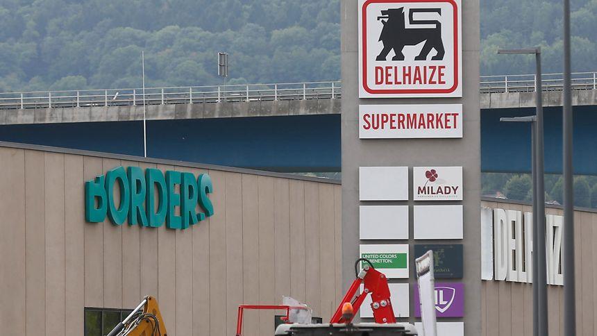 """Shoppingtempel im Dreiländereck: Das """"Borders"""" zwischen Remerschen und Schengen liegt an der Autobahnabfahrt der A13 – und in direkter Nähe zu Deutschland und Frankreich."""
