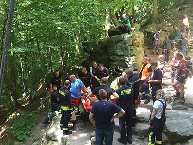 Eine komplizierte Situation fanden die Retter an der Felswand vor.