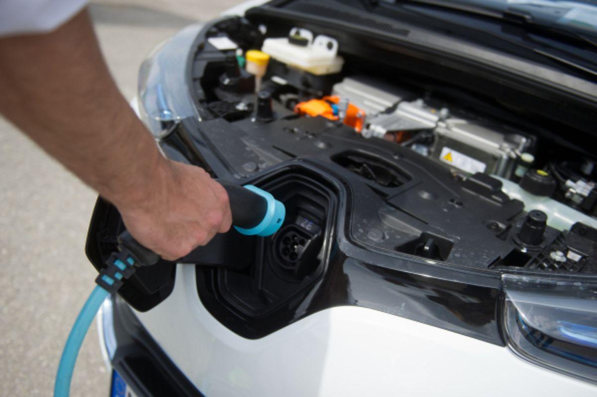 Akkus für Elektroautos werden schrittweise besser.