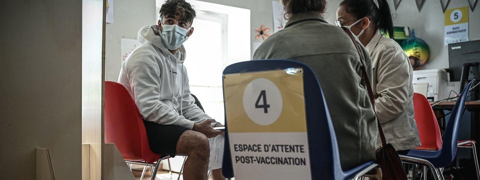 En Belgique, 7,46 millions de doses vaccinales ont été injectées, et 21,8% de la population présente un schéma vaccinal complet.