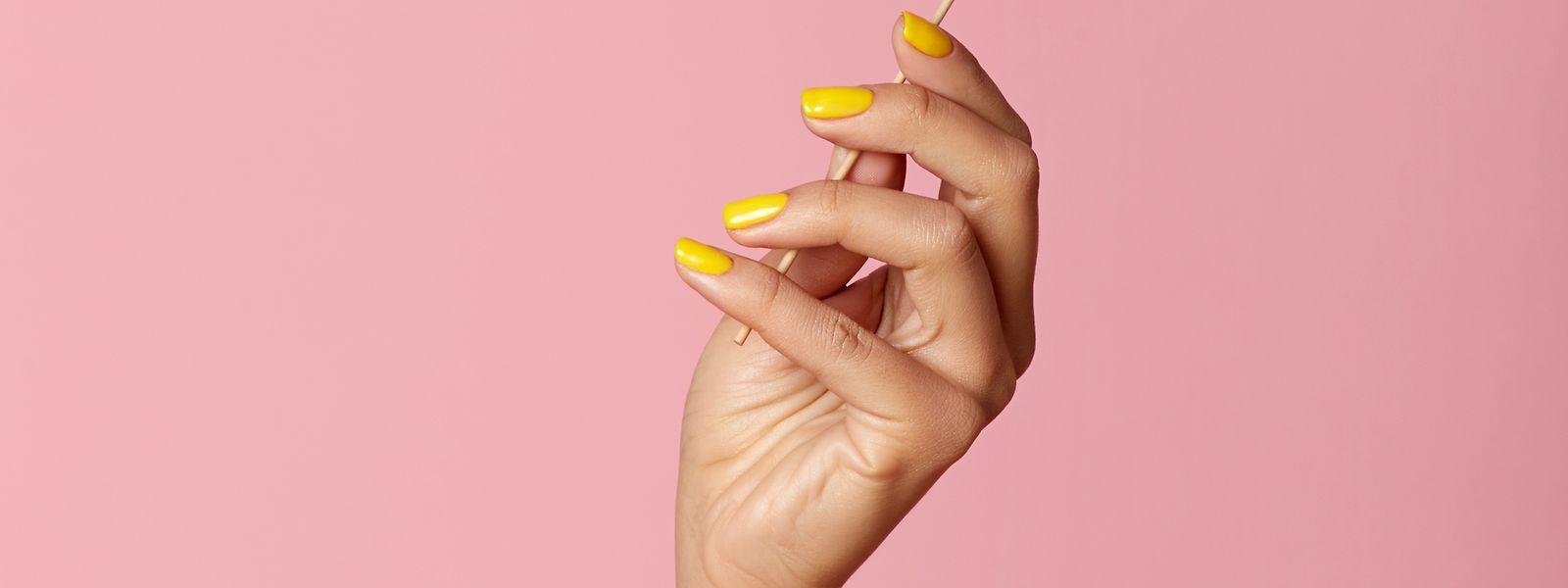 Hände werden tagtäglich strapaziert - man sollte ihnen deshalb die richtige Pflege gönnen.