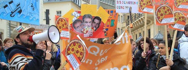 Die Erzieher, Sozialpädagogen und Lehrbeauftragte protestierten am 24. März 2015, weil sie sich durch die Reform benachteiligt fühlen.