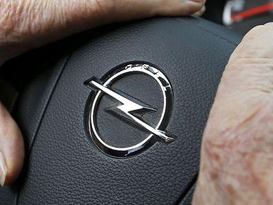 Der Opel-Betriebsrat zeigt sich zuversichtlich zur geplanten Übernahme durch Peugeot-Citroën.