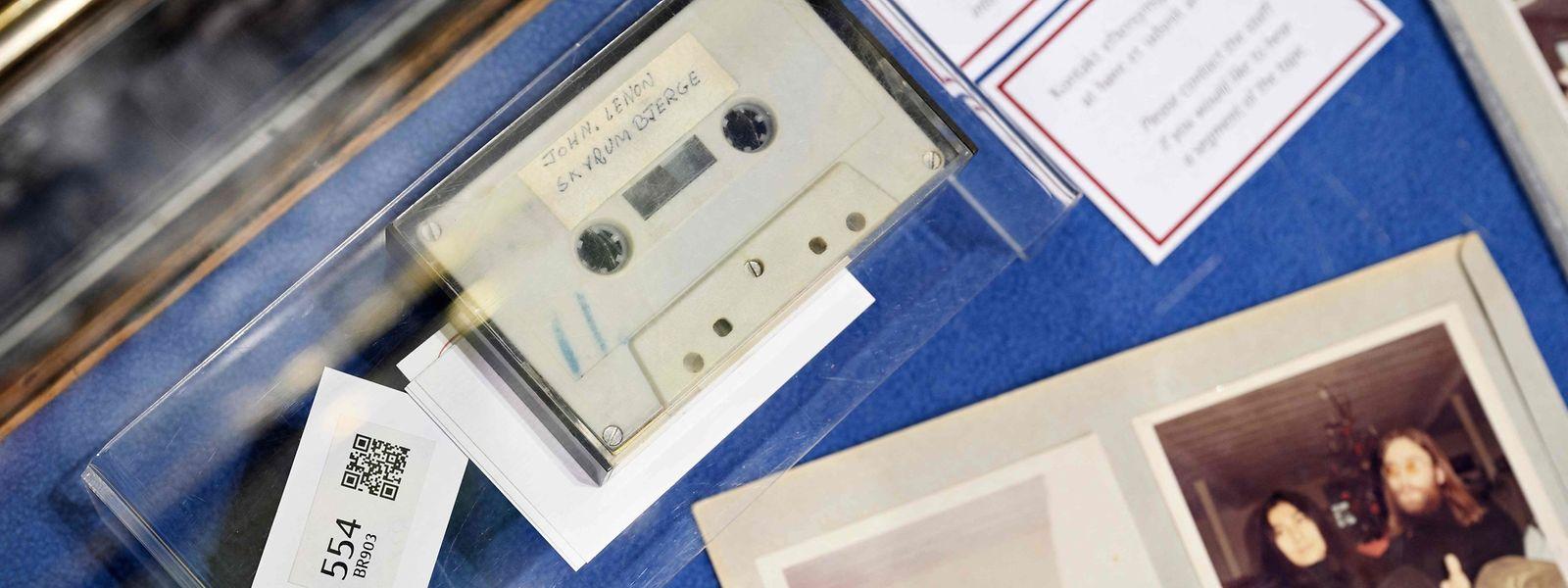 Ein Interview für die Schülerzeitung und ein unveröffentlichter Lennon-Song – dieser Inhalt macht die Kassette so wertvoll.