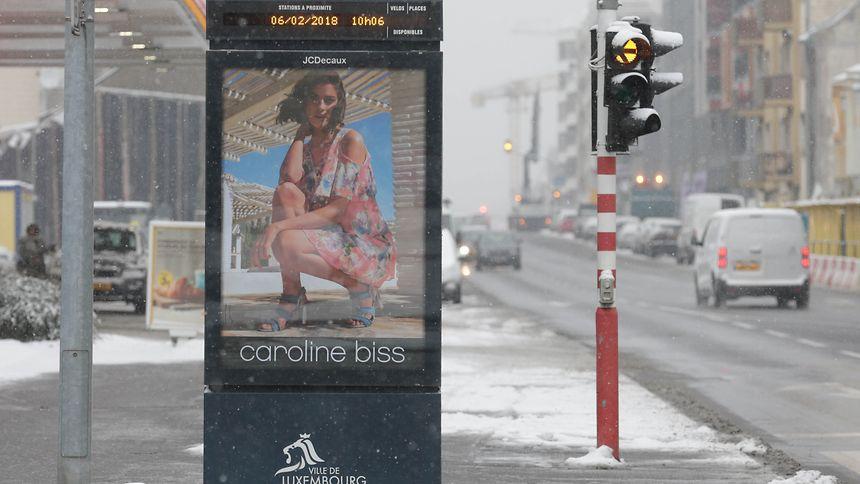 Über die ganze Stadt verteilt, stehen die Werbetafeln von JCDecaux am Straßenrand der Hauptachsen.