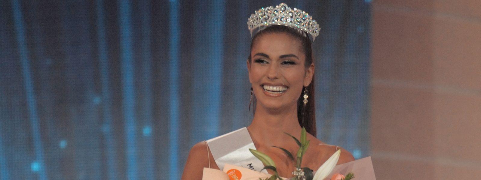 """Vonesa Alijaj ist """"Miss Earth Kosovo 2021"""". Diese Plattform will die ehemalige """"Miss Luxembourg"""" für ein ihr wichtiges Anliegen nutzen: Die Bildung von Kindern."""