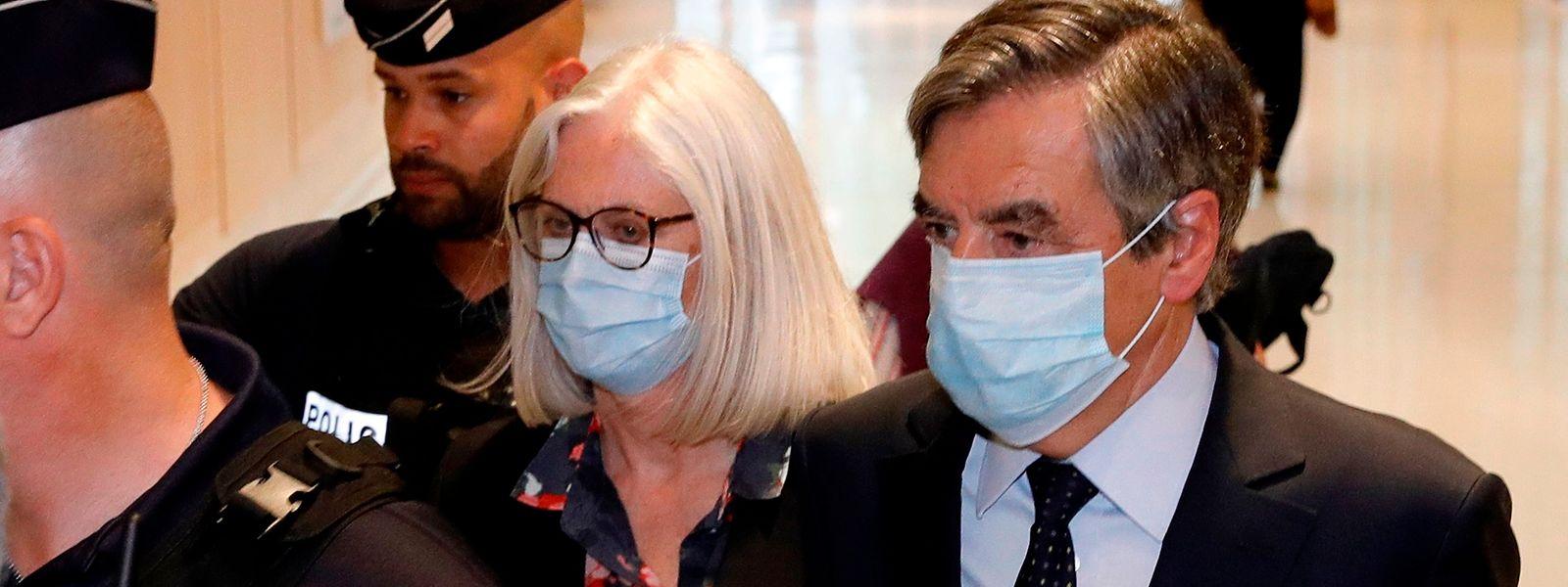 Penelope und Francois Fillon auf dem Weg zum Gericht.