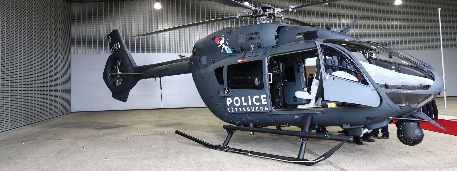 Der erste von zwei neuen Polizeihubschraubern wurde am Freitag feierlich von Airbus an die Luxemburger Polizei übergeben.