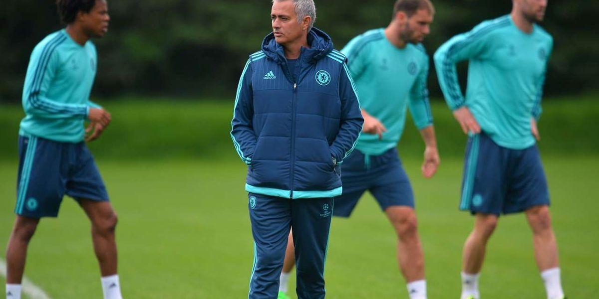 Le Chelsea de José Mourinho est en plein doute à l'heure d'aborder son premier rendez-vous en Ligue des champions, face aux Israéliens du Maccabi Tel-Aviv
