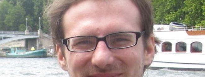 Der damals 28-jährige François Thillman aus Beringenist Brillenträger, 1,71 groß, von dünner Statur, hat braunes Haar und braune Augen.