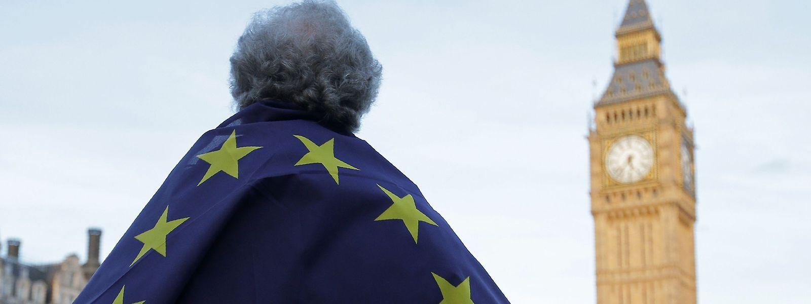 Das britische Parlament hat am Montag den Brexit abgesegnet. Vor der Tür gab es Proteste.