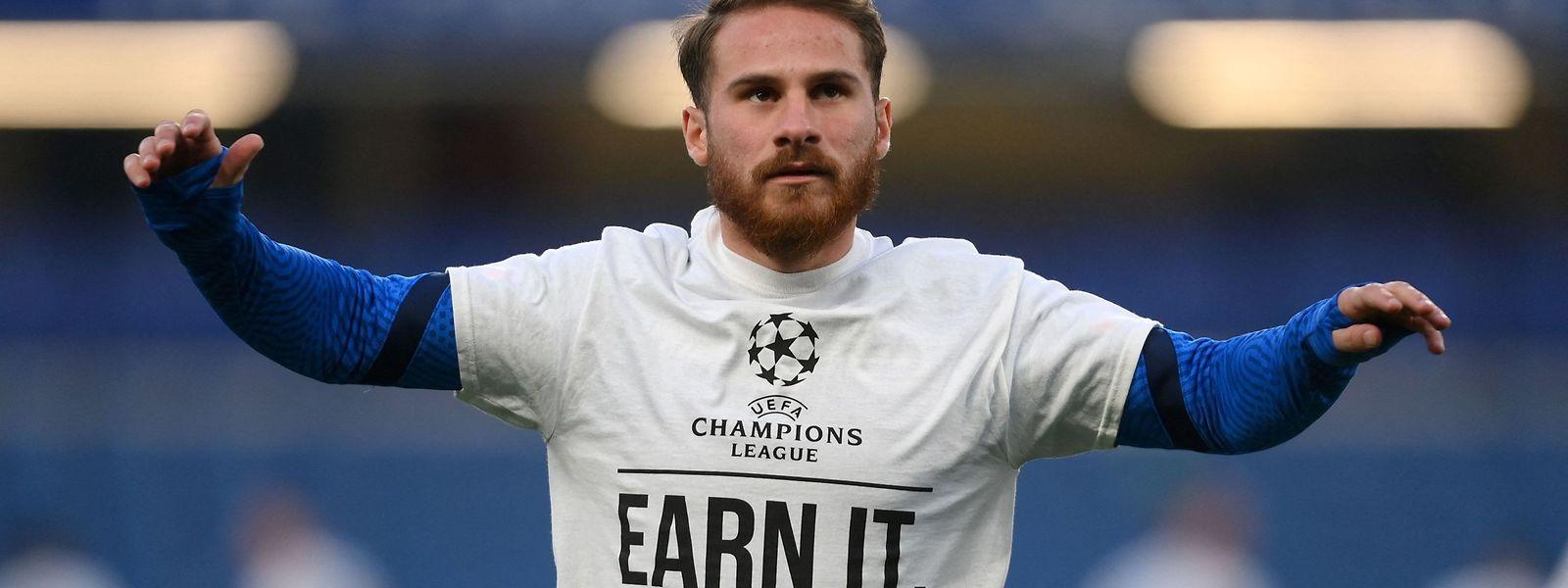 Brightons Alexis MacAllister trägt vor dem Spiel gegen Chelsea ein T-Shirt, um gegen die Super League zu protestieren.