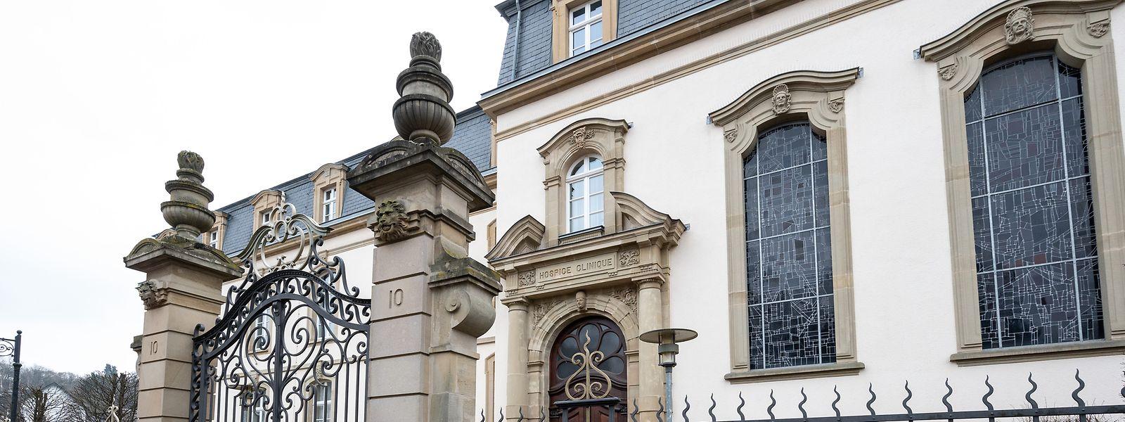 Gegen einen Anbau links an das über 100 Jahre alte Gebäude hatte der Denkmalschutz Einwände.