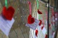 Lokales, Die Adolphe-Brücke mit Hertzen zum Valentinstag,   Foto: Chris Karaba/Luxemburger Wort