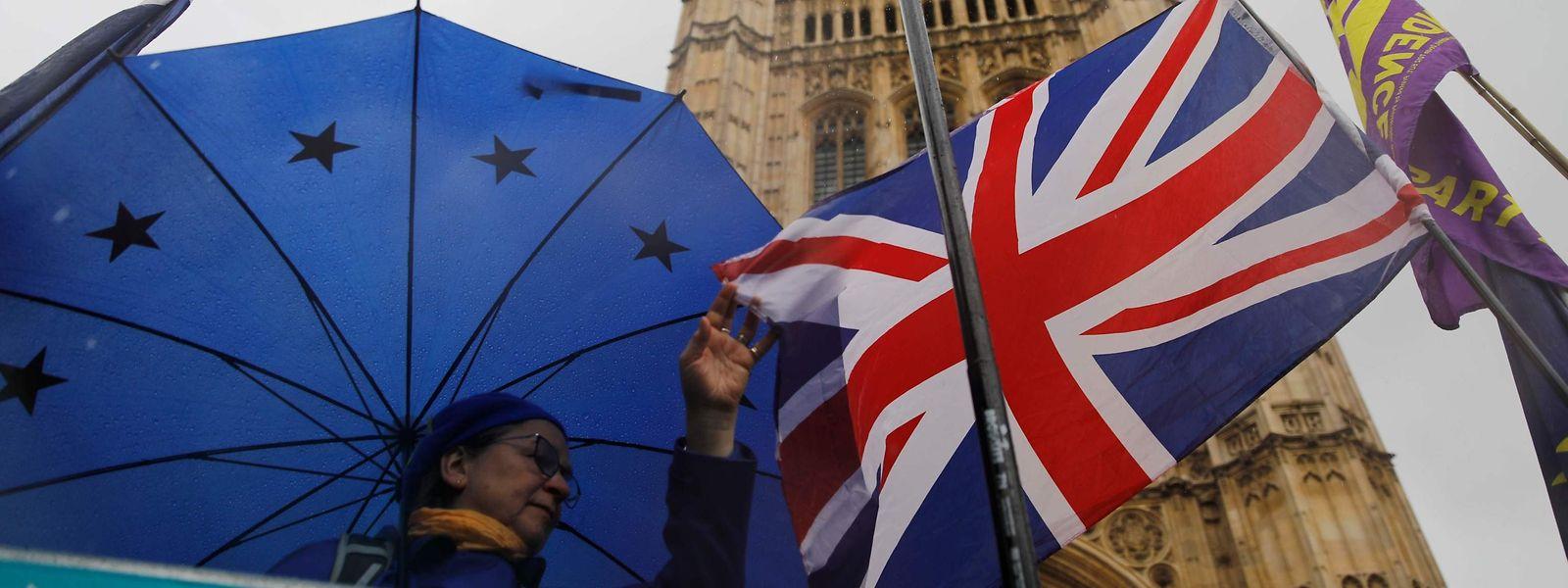 Der neue Brexit-Vertrag muss vom britischen Parlament noch bestätigt werden. Eine Zustimmung der Abgeordneten ist mehr als fraglich.