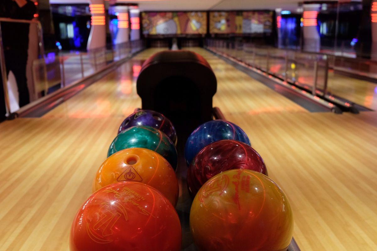 Unterhaltung wird groß geschrieben. An Bord der Seaside sollen sich die Gäste bei jedem Wetter wohl fühlen – beispielsweise beim Bowling-Spielen.