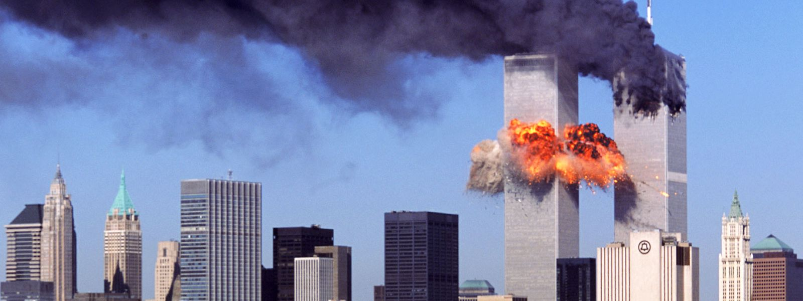 Die Anschläge auf die beiden Zwillingstürme des World Trade Center in New York am 11. September 2001 markieren einen Wendepunkt der Zeitgeschichte.