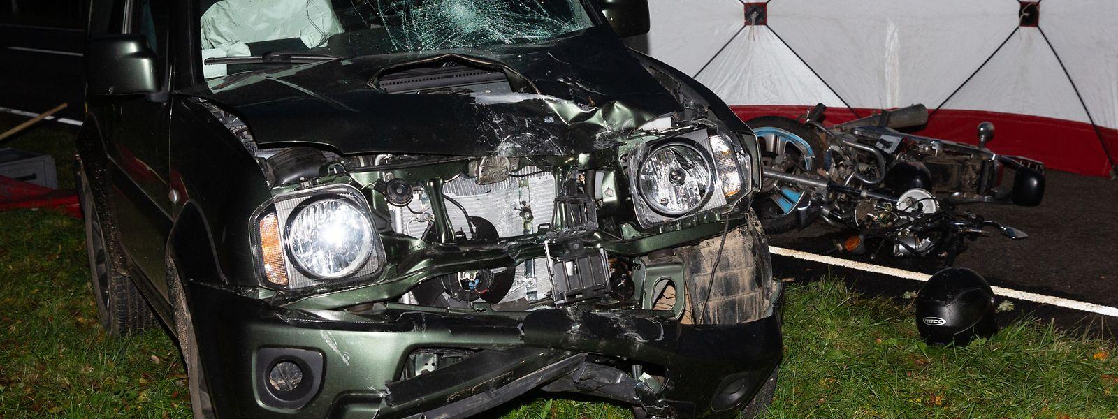 Der Motorradfahrer erlag seinen Verletzungen noch am Unfallort.