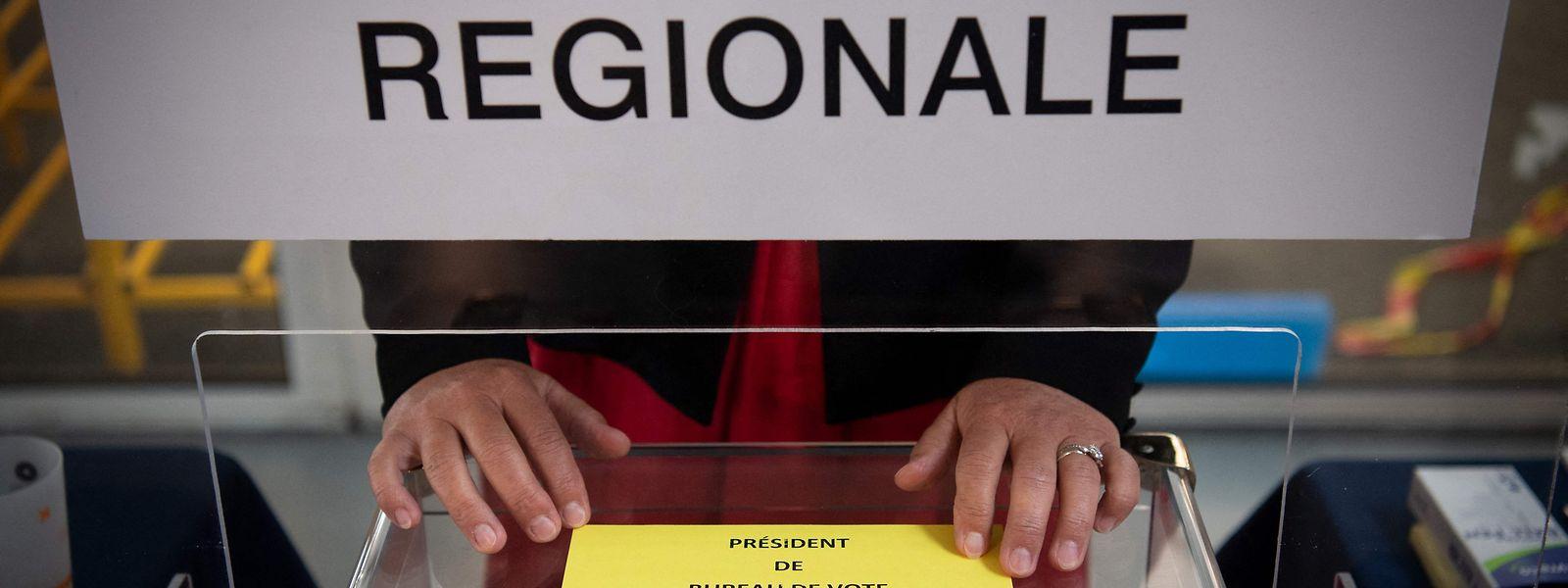 Mit 33 Prozent war die Wahlbeteiligung am Sonntag in Frankreich historisch niedrig.