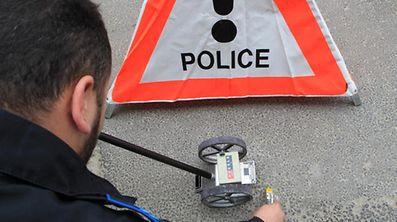 Die Polizei sucht nach Zeugen eines Unfalls, den ein unvorsichtiger Fahrer am Dienstag verursachte.